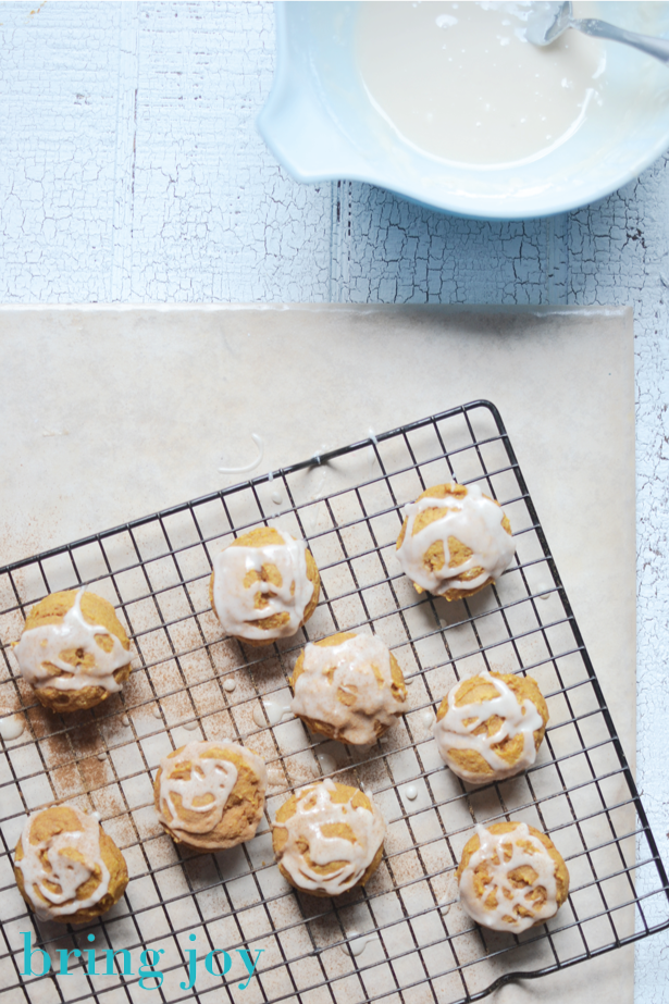 vegan-pumpkin-glazed-cookies-bring-joy