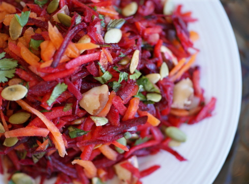 Crimson Salad with Pecans & Pumpkin Seeds + What to Eat on Candida Elimination Diet // bring-joy.com