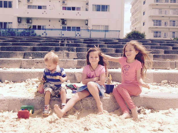 kids-on-the-beach